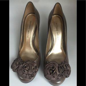 Antonio Melani Taupe 3Inch Wedge Heels Sz 7.5